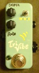 Tiny tri-vibe