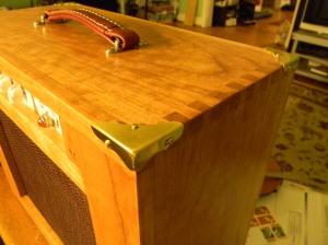 Sakura woodchipper - cabinet corner